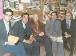 آبان 70 ـ تاجیکستان ـ شهر دوشنبه ، دفتر مجله پیوند، از راست : خسرو رضوی، پروانه جمشیدی، هرتسنبرگ، لایق شیرعلی و علی دهباشی