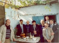 دوشنبه در جمع ایرانیان تبعیدی ـ آبان 70 دکتر عطاالله صفوی نفر دوم سمت راست