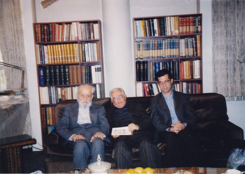 با دکتر انور خامهی و احمد آرام ـ پایان دهه 1370