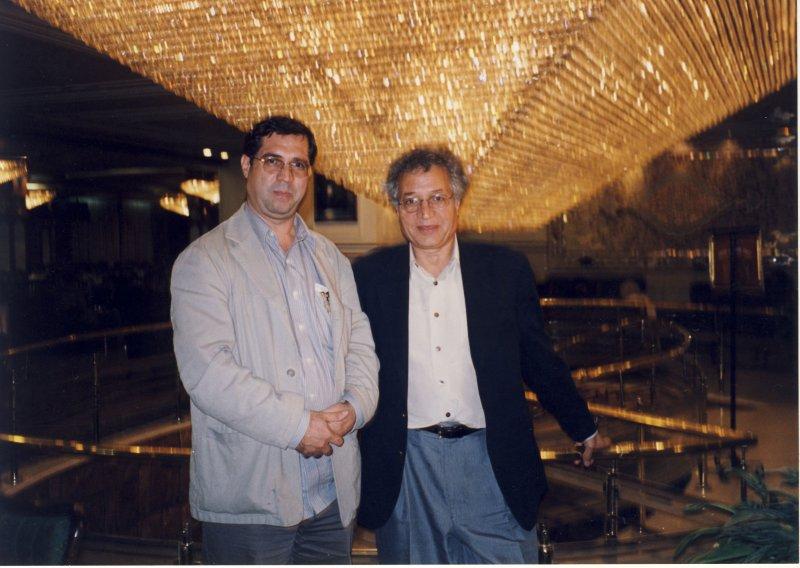 با احمد کریمی حکاک در هتل لاله ـ دهه 1380