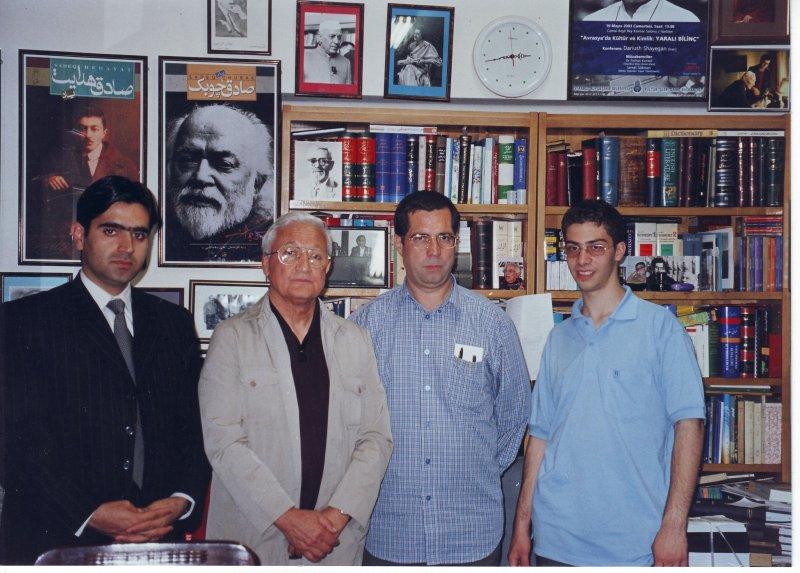 اردیبهشت 83 ـ شهاب دهباشی، علی دهباشی، رهنورد زریاب ( نویسنده و معاون وزیر فرهنگ افغانستان) و فرامرز تمنا ( وابسته فرهنگی سفارت افغانستان )