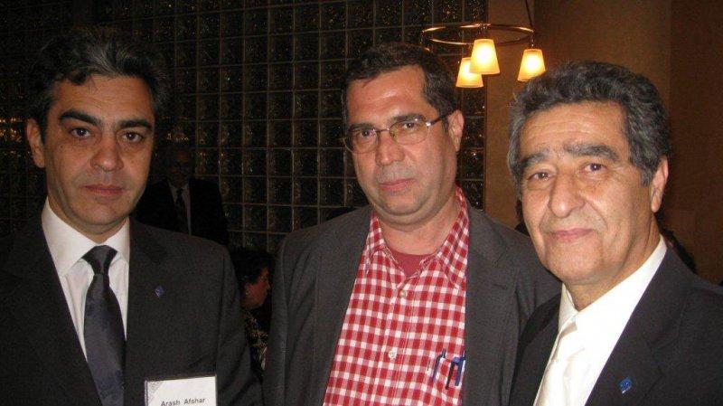 لس آنجلس ـ کنفرانس مطالعات ایرانی، از راست: عباس حجت پناه ، علی دهباشی و آرش افشار ـ خرداد 1389