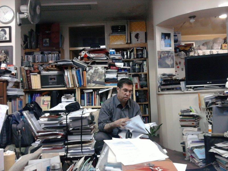 محل کار و زندگی سردبیر بخارا ـ مرداد 1391 عکس از اسماعیل جمشیدی
