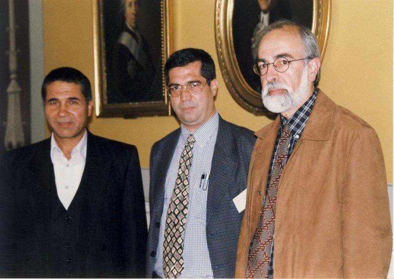 آکادمی علوم کپنهاک از راست: بیژن غیبی ، علی دهباشی و دکتر محمد جعفر یاحقی ـ 1379