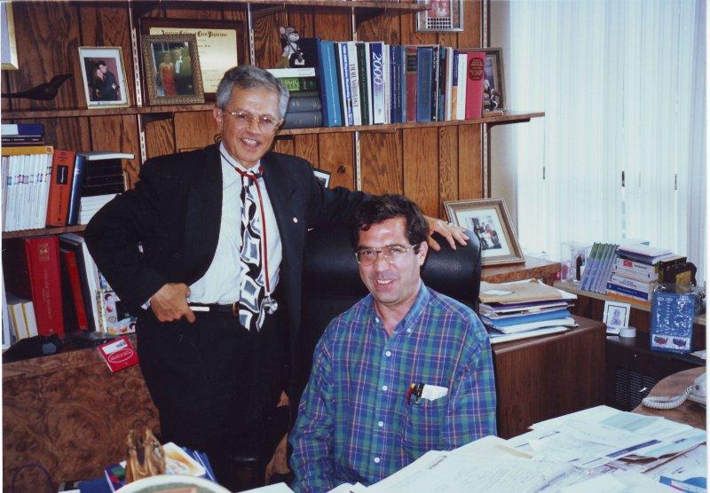 نیوجرسی، مطب دکتر امیر زنجانیان ـ خرداد 79 ( ژوئن 2000)
