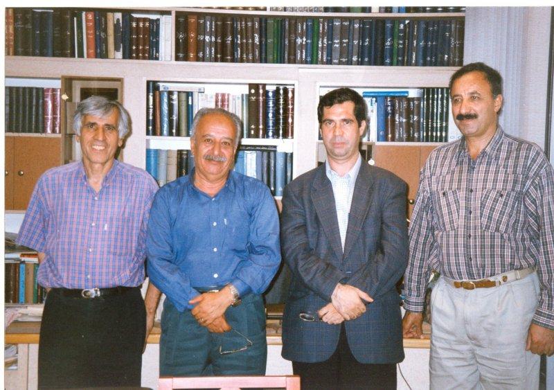مرداد 1379 ـ دفتر انتشارات توس از راست : عبدالحسین آذرنگ، علی دهباشی، جهانگیر منصور ( مدیر انتشارات زمان) و محسن باقرزاده ( مدیر انتشارات توس)
