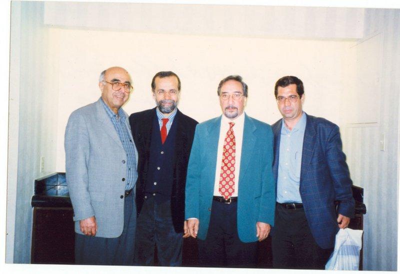 مریلند ـ کنفرانس مطالعات ایرانی ـ خرداد 1379 ( ژوئن 2000) از راست: علی دهباشی، محمدعلی همایون کاتوزیان ـ حمید دباشی و شاهرخ مسکوب