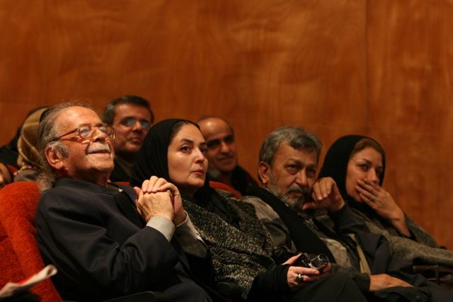 مینو فرشچی؛ جمشید ارجمند، نلی کشاورز و محمد علی کشاورز( عکس از بهنام مؤذن)