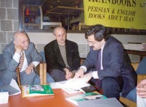 بهار 1373 دانشگاه ویلونوا ـ از چپ : عبدالحسین زرین کوب ـ بیژن اسدی پور و علی بنوعزیزی