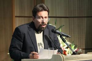 دکتر کارلو چرتی از ایرانشناسان ایتالیایی در شب آیدین آغداشلو