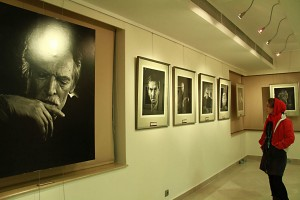 نمایشگاه پرتره ها و عکس های فخرالدین فخرالدینی ـ عکس از مجبتی سالک