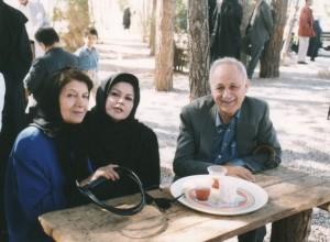 دکتر زرین کوب، خانم نوروزی و قمر آریان ،شیراز اردیبهشت 1375
