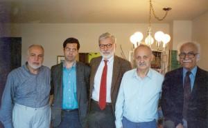 پنسیلوانیا ، منزل دکتر مهدوی دامغانی.از راست : عزت الله نگهبان، عبدالحسین زرین کوب، ویلیام هناوی و احمد مهدوی دامغانی