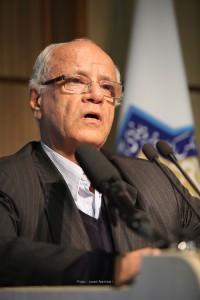 دکتر محمد علی سجادی پیام دکتر احمد مهدوی دامغانی را قرآئت می کند ـ عکس از جواد آتشباری