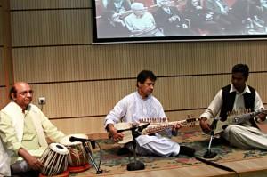 اجرای موسیقی در شب ایران و هند ـ عکس از مجتبی سالک