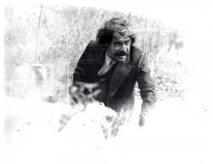 در فیلم « فرار از تله» کارگردان جلال مقدم ـ 1350