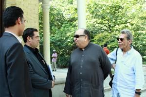 علی دهباشی به همراه بهمن فرمان آرا و کامبیز درمبخش