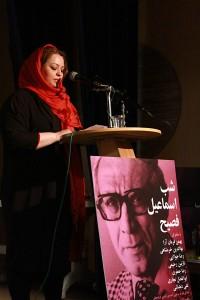 نازنین رحیمی شعر خود را با تقدیم به شخصیت رمان فصیح قرائت کرد ـ عکس از مجتبی سالک