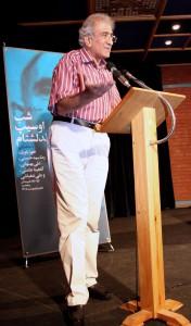احمد پوری چند شعر از ماندلشتام را که ترجمه کرده بود خواند ـ عکس از منصور نصیری