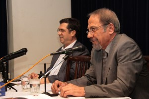 دکتر علی عضنفری به همراه علی دهباشی در شب تسوایگ ـ عکس از سمیه لطفی