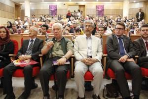 رادوسلاو سادووسکی ( وابسته فرهنگی سفارت لهستان)، دکتر محمد دهقانی و خسرو سینایی ـ عکس از ژاله ستار