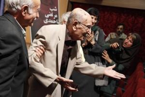 مرتضی احمدی از حاضران تشکر می کند ـ عکس از ژاله ستار