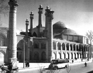 نمایی از مدرسه سپهسالار سال 1325