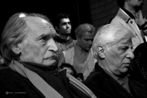 محمود دولت آبادی در کنار بهرام بیضایی ـ عکس از جواد آتشباری