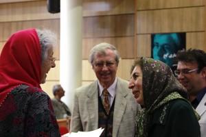 دکتر ژاله آموزگار به همراه پروفسور ماری کخ و دکتر گونترام کخ ـ عکس از رضا دبویی