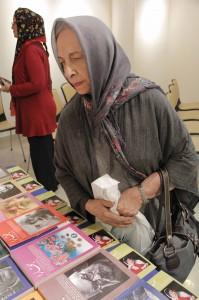 دکتر هما گل گلاب در شب عباس یمینی شریف ـ عکس از ژاله ستار