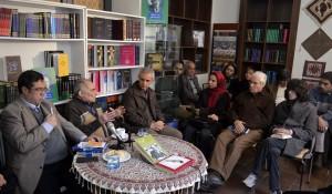 گفتگو با دکتر باطنی ـ عکس از متین خاکپور