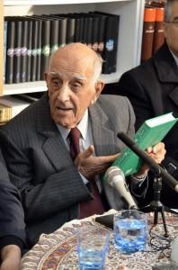 استاد احمد اقتداری از کتابهایش در بنیاد موقوفات افشار سخن گفت