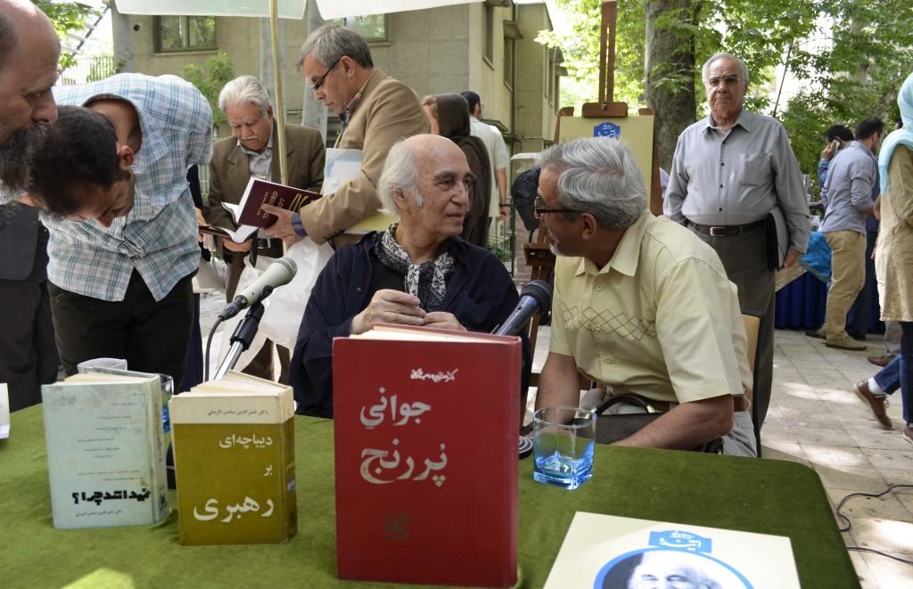 دیدار و گفتگو با ناصرالدین صاحب الزمانی ـ عکس از متین خاکپور