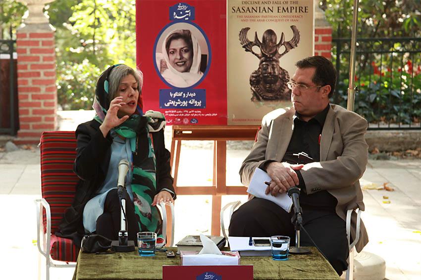 دکتر پروانه پورشریعتی و علی دهباشی  - عکس از مجتبی سالک