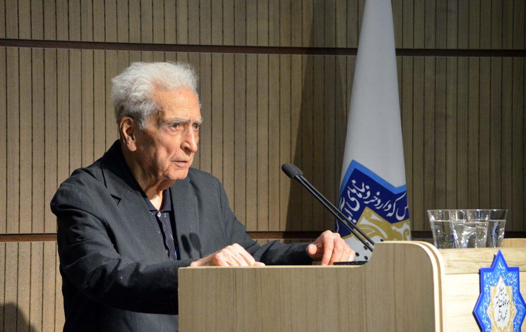 دکتر محمداسلامی ندوشن ( در شب محمد حعفر محجوب) عکس از متین خاکپور