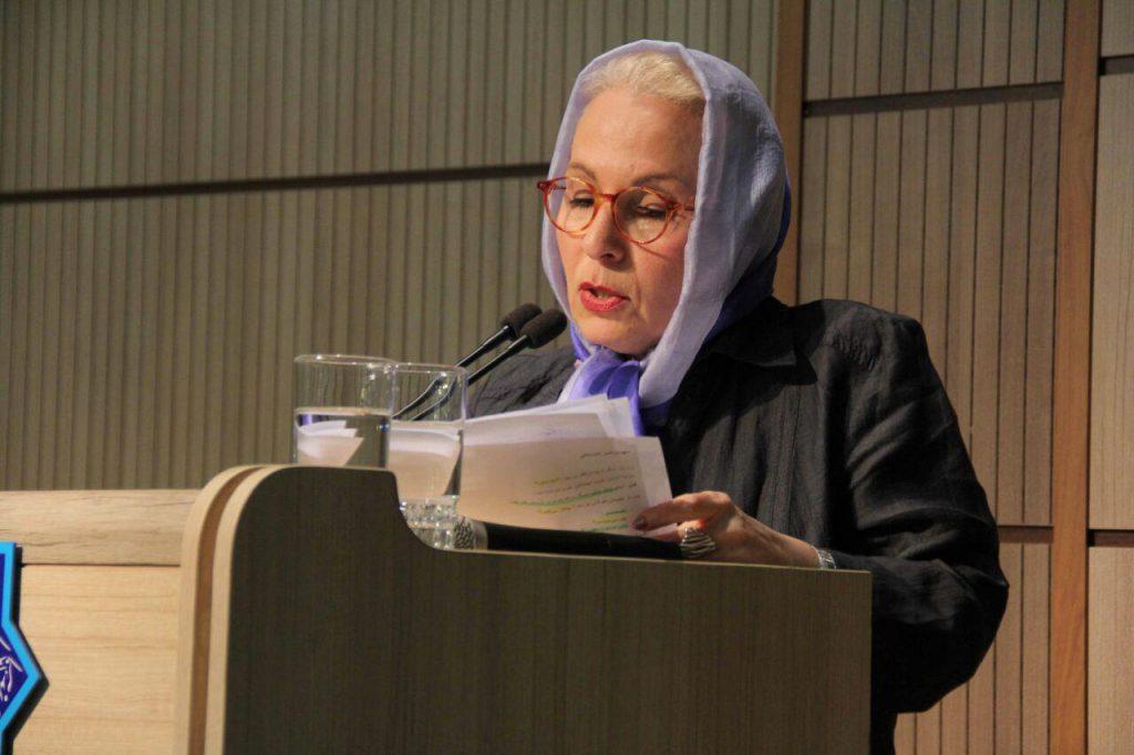 مریم موید پور مترجم داستان پتر اشتام