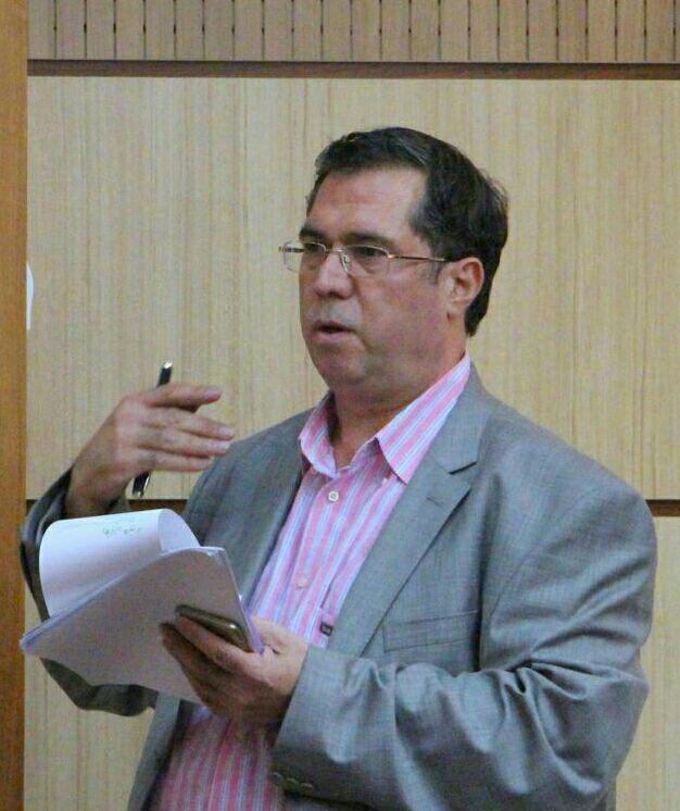 علی دهباشی پرسش های رسیده به مجله بخارا را مطرح می کند