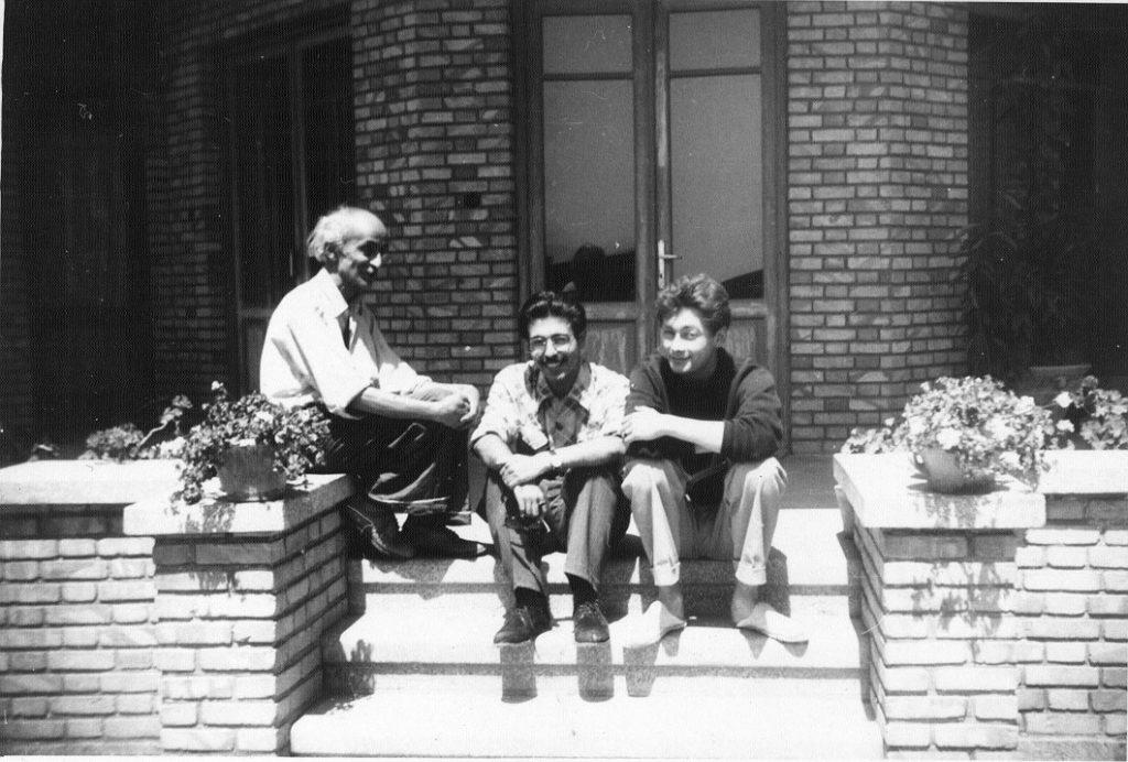 نیما یوشیج ، بهمن محصص و نیکلاس بوویه در منزل نیما سال 1953م.1331 ش ( عکاس تیری ورنه، نقاش سوئیسی)