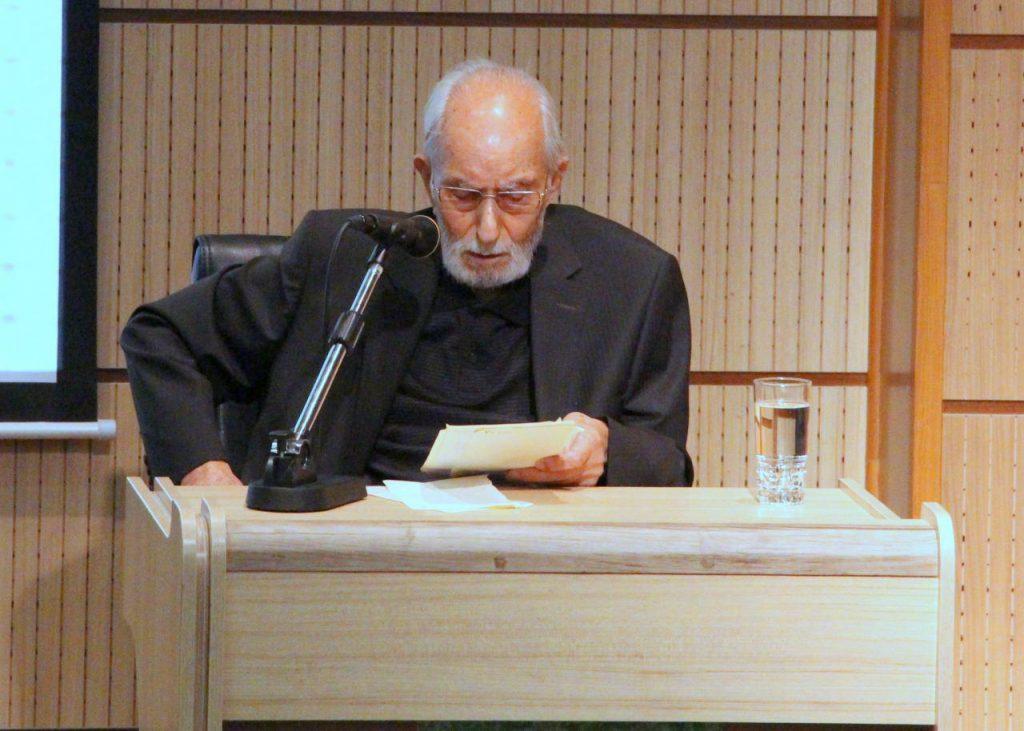 دکتر محمد علی موحد به شرح نمونه هایی از مقالات شمس پرداخت