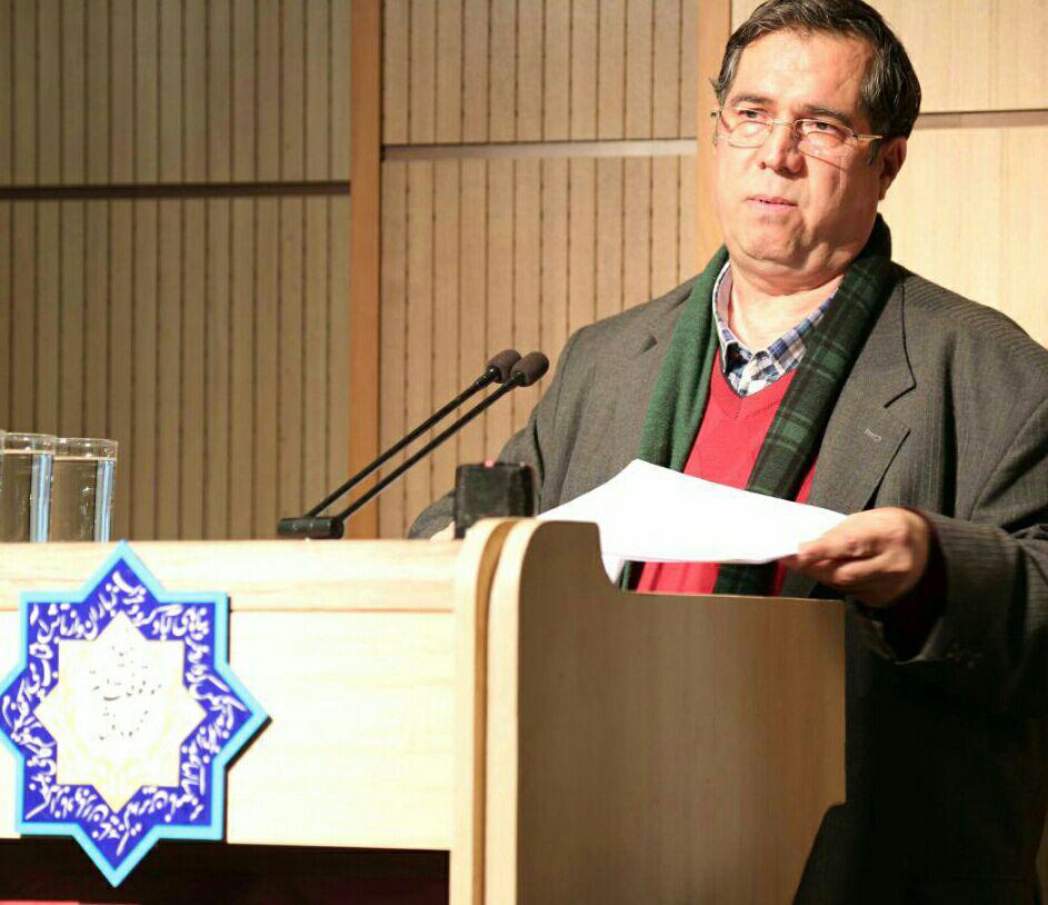علی دهباشی بخش هایی از زندگینامه و فعالیت های دکتر حمیدیان را بازگفت