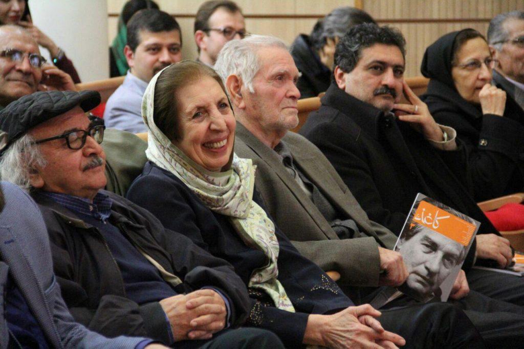 دکتر محمدرضا شفیعی کدکنی در کنار دکتر ژاله آموزگار و استاد محسن ابوالقاسمی