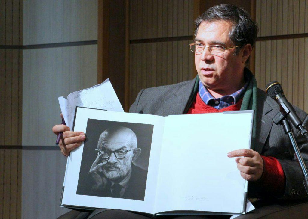 استاد از خاطرات خود از سعید نفیسی گفت و اینکه چگونه ازاو عکاسی کرده است.