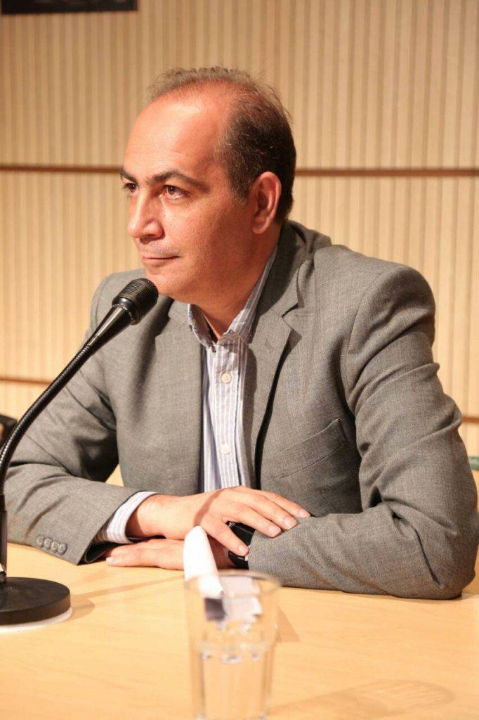 دکتر سعید فیروزآبادی که سخنان رتو سورگ سوییسی را به فارسی برگرداند