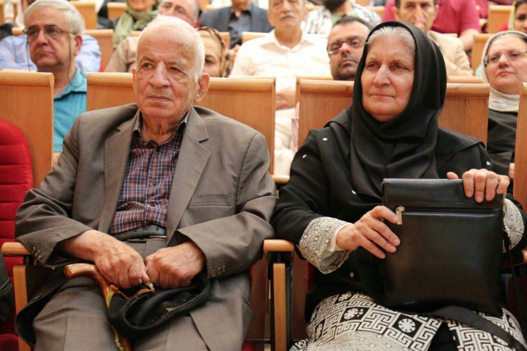 دکتر نوش آفرین انصاری در کنار همسر، دکتر مهدی محقق