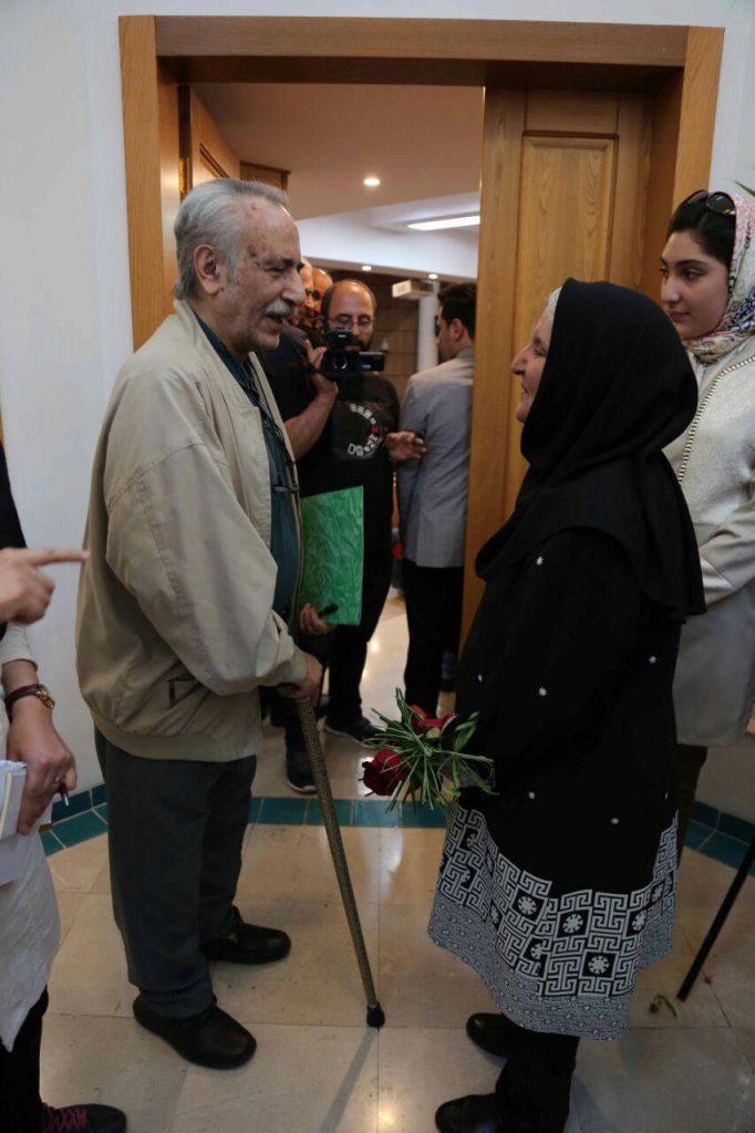 استاد بهاءالدین خرمشاهی در کنار دکتر نوش آفرین انصاری