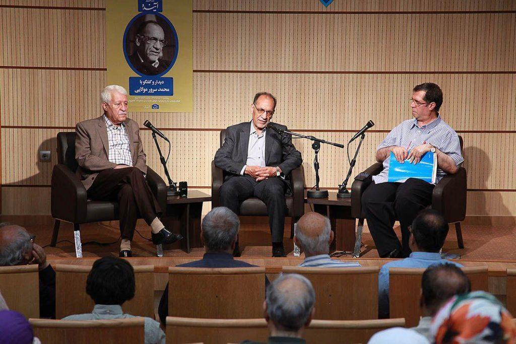 دکتر سرور مولایی از خاطرات دوران دانشجویی در دانشکده ادبیات دانشگاه تهران گفت.