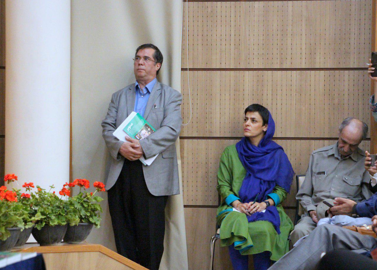 علی دهباشی در کنار مانیا شفاهی و استاد اسماعیل کهرم