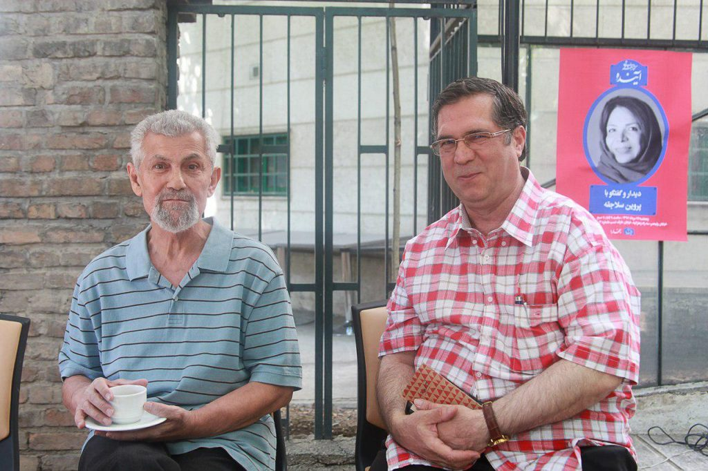علی دهباشی در کنار ع.پاشایی