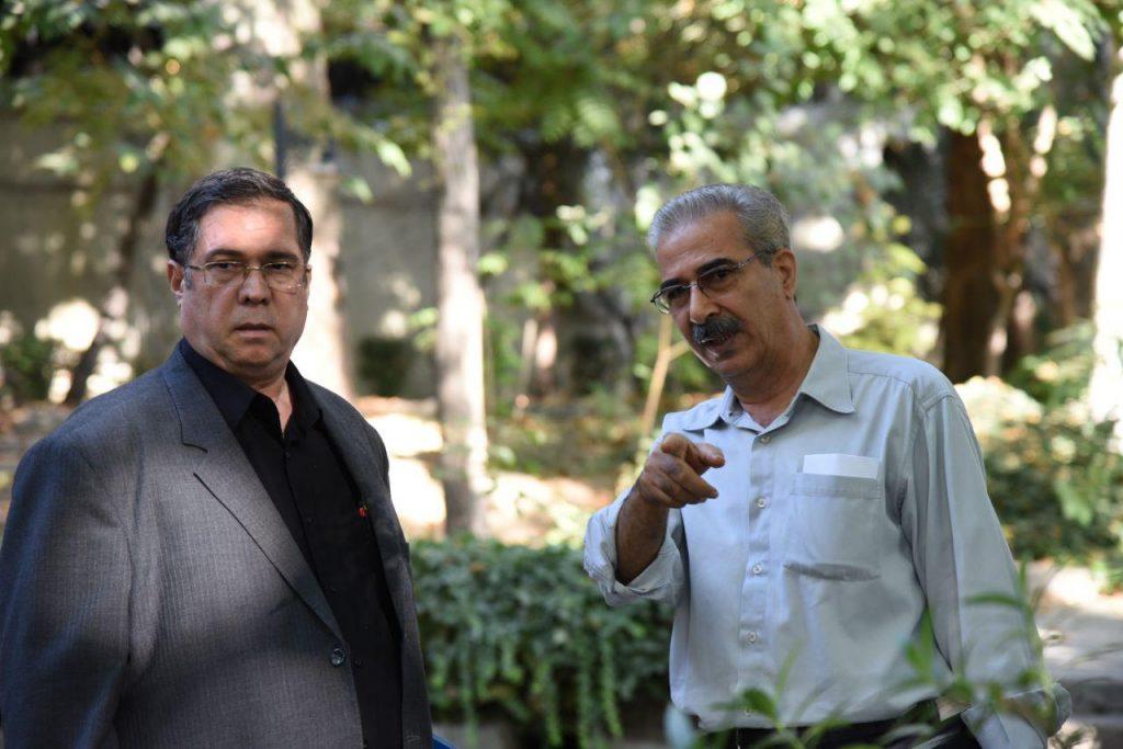 مسعود مهرابی و علی دهباشی در باغ موقوفات دکتر محمود افشار