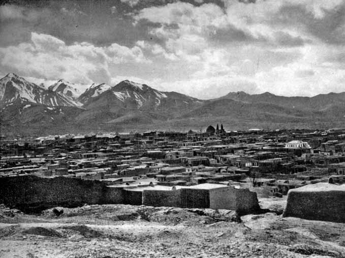 همدان - اکباتان قدیم در دامنه البرز (زیرنویس ها به نقل از کتاب است)